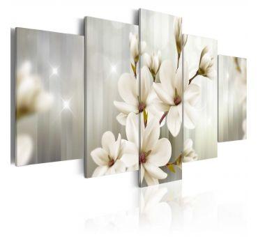https://galeriaeuropa.eu/obrazy-magnolie/800174-obraz-basniowy-poranek