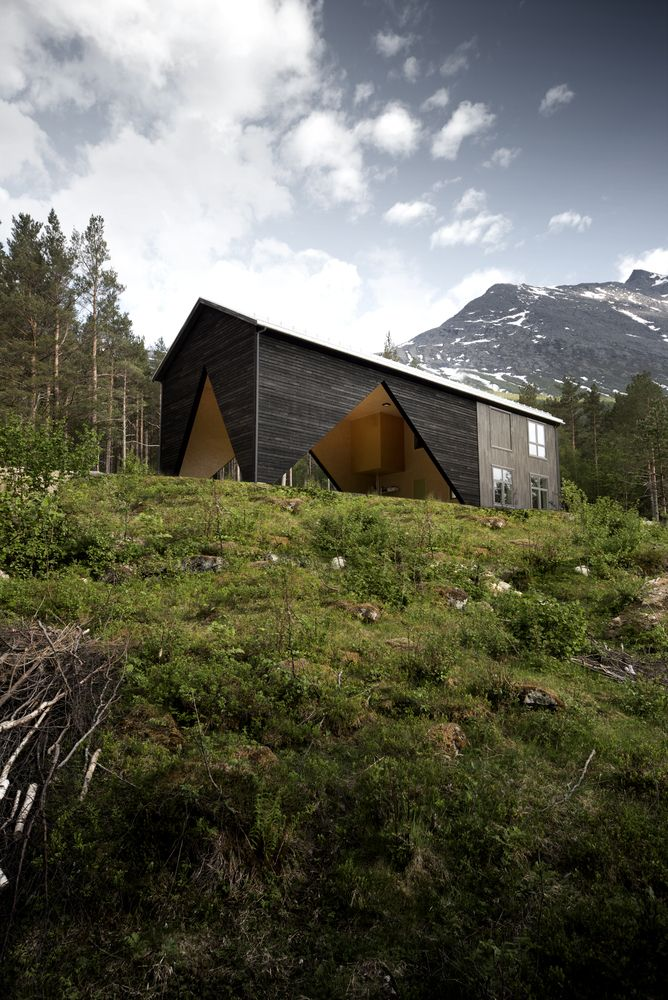 Gallery Of 1 3 House Rever Drage Architects 1 Unusual Buildings Architect Architecture