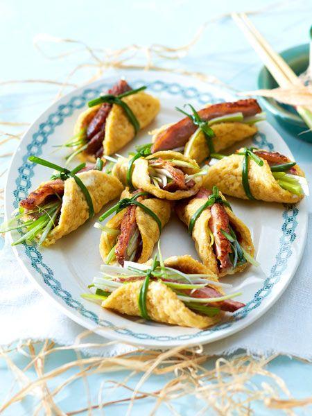 Raffiniertes Fingerfood: Mini-Omelett-Rolls mit Entenbrust