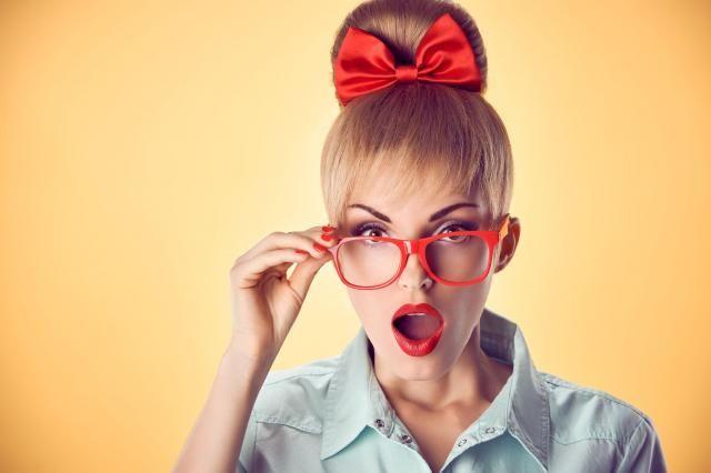 Fryzjer radzi: Kok na czubku głowy - jak go wykonać? #włosy #fryzury #kok #koki