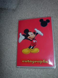 Do It Yourself Disney Vacation Autograph Books  By: Budget Diva: Disney Divas, Disney Autograph Book, Autograph Books, Diy'S Disney, Disney Trips, Disney Vacations, 2013 Vacations, Vacations Autograph, Budget Divas