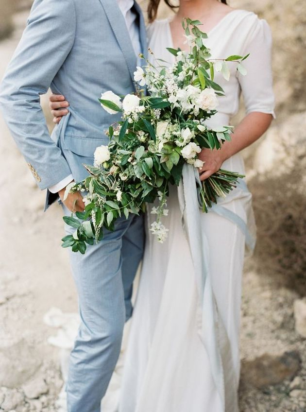 Frost Blue Wedding Inspiration - www.theperfectpalette.com - Color Ideas for Weddings + Parties