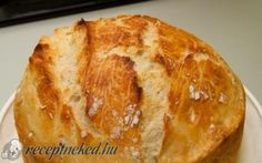 Házi ropogós kenyér recept fotóval - a legeslegegyszerubb kenyér - Hozzávalók:      4 csésze liszt a csésze 2,5 dl-es (kenyérliszt, teljes kiőrlésű, Graham, rozs stb. ízlés szerint vegyítve)     1 teáskanál porélesztő     2 teáskanál só     2 csésze víz