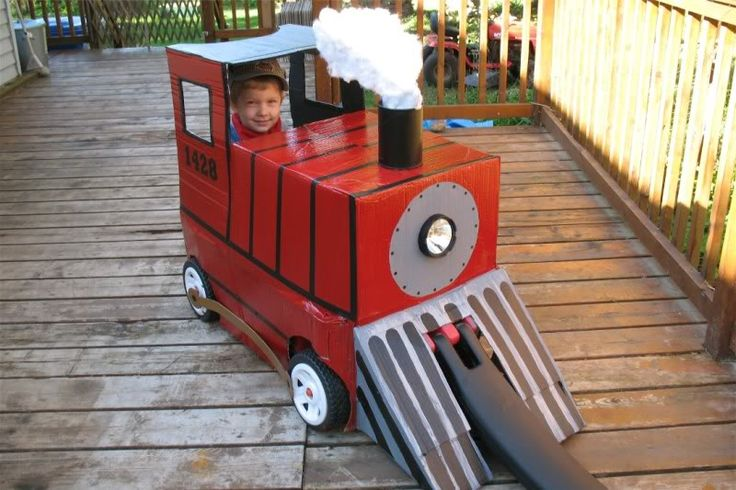 A wagon turned into a train for a little conductor