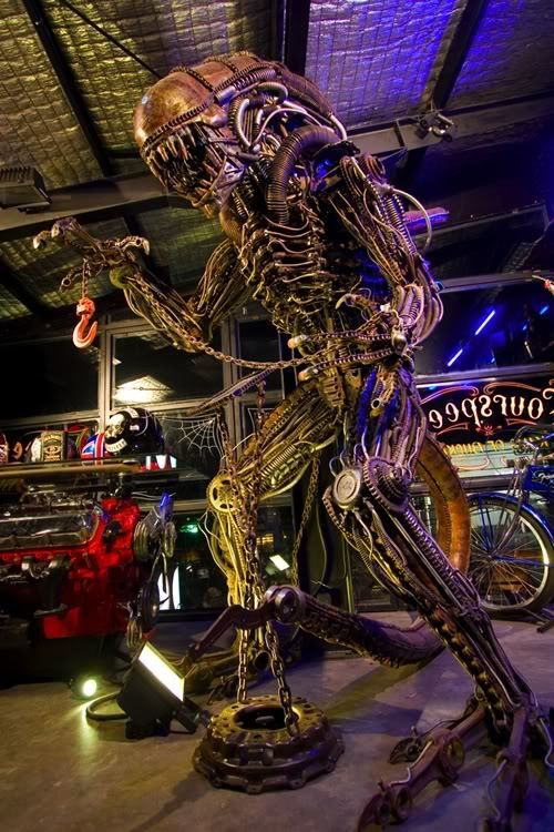 The Making of Lifesize Alien Figure by fourspeed artifex, via Behance
