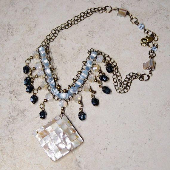 Moeder van de parel hanger ketting blauwe kralen halsketting