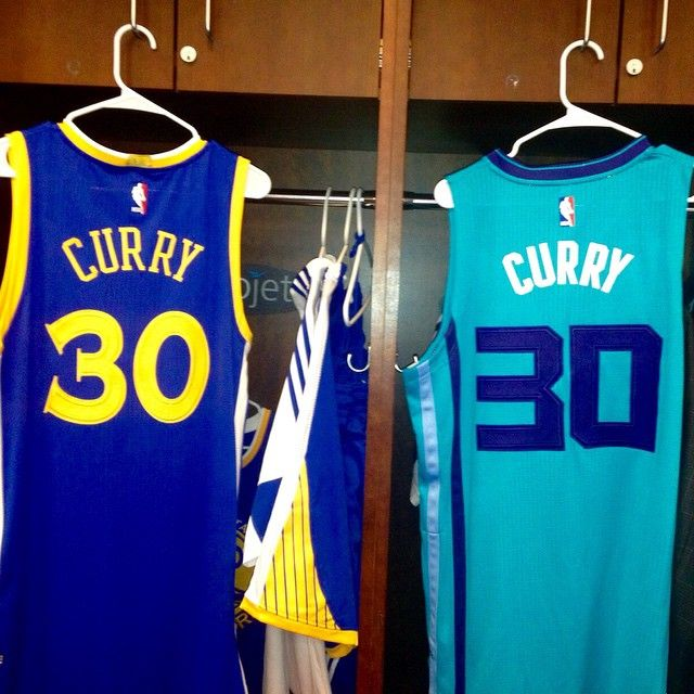 Stephen Curry & his father Dell represented #TeamCurry in the #DegreeShootingStars competition on Saturday, February 14.