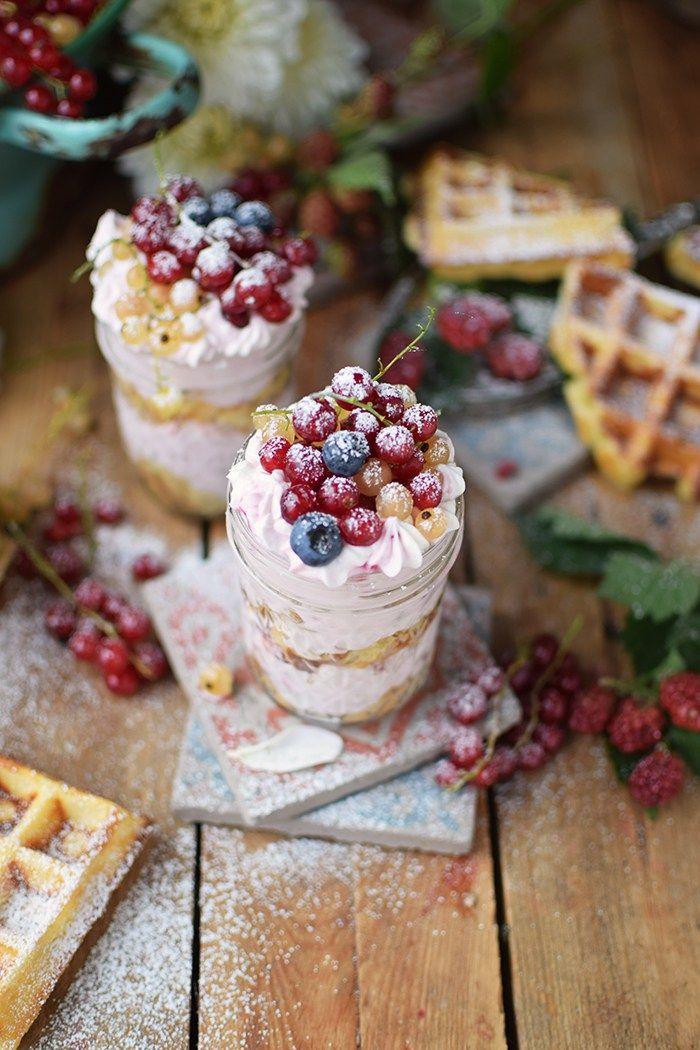 Beeren Waffel Tiramisu - Berry Waffle Tiramisu | Das Knusperstübchen