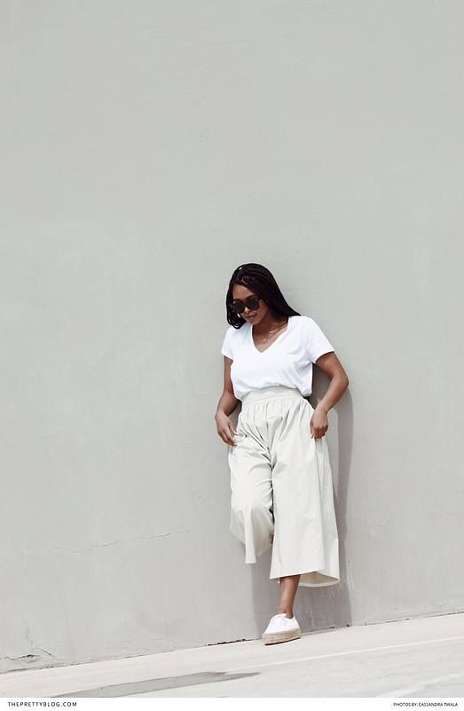 Tips on how to get a minimal wardrobe with neutral colours and a chic flair https://www.theprettyblog.com/style/how-to-create-a-minimalist-wardrobe/?utm_campaign=coschedule&utm_source=pinterest&utm_medium=The%20Pretty%20Blog&utm_content=How%20to%20Create%20a%20Chic%2C%20Simple%20Wardrobe