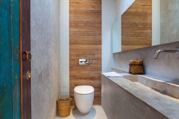 Villa Lumia - Guest's toilets www.villalumiabali.com