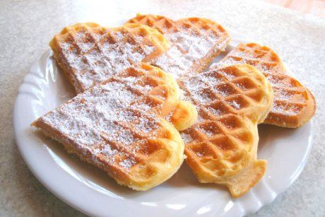 Ob zum Frühstück oder als Snack zwischendurch, Joghurt Vanille Waffeln schmecken immer. Das Rezept zum Vernaschen.