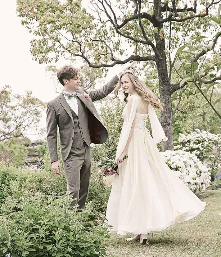 No. DBW-036 –軽やかなスリーブと流れるオーガンジーが美しいドレス。二次会ドレスとしても。