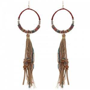 Rode oorbellen met touwtjes en kralen (hanger)