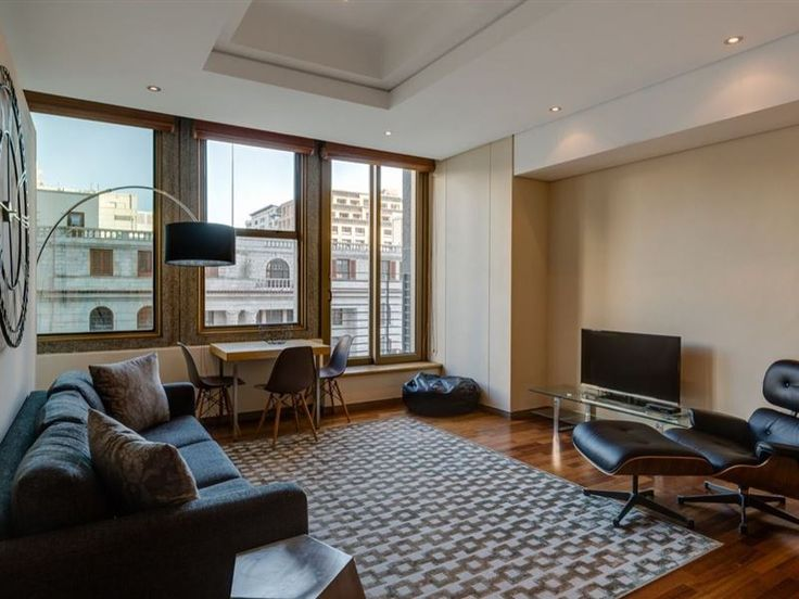 506 Cartwright - Perfectly situated in the heart of old historic Cape Town, this luxurious one-bedroom apartment is ideal for business people, or a couple wanting to explore the city by foot.This lovely one-bedroom, one-bathroom ... #weekendgetaways #capetown #capetowncentral #southafrica