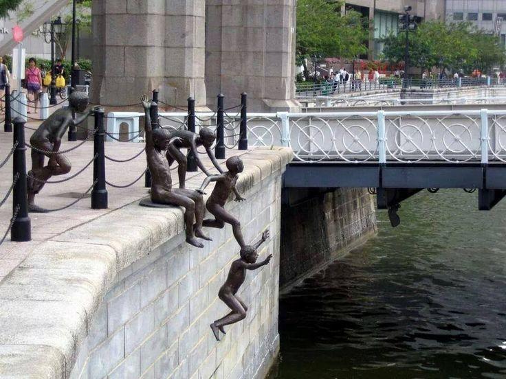Estatuas de niños!