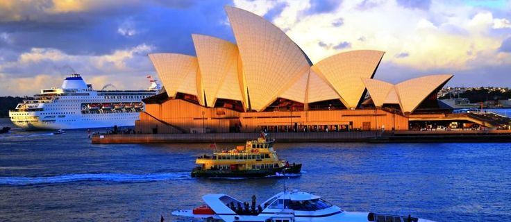 Australia - unlimited opportunities for divers and surfers, jeep safari, modern water parks