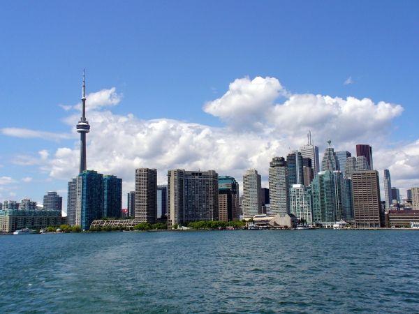 Canadian Real Estate Market Updates.  by RealtorCrunch, http://realtorcrunch.com