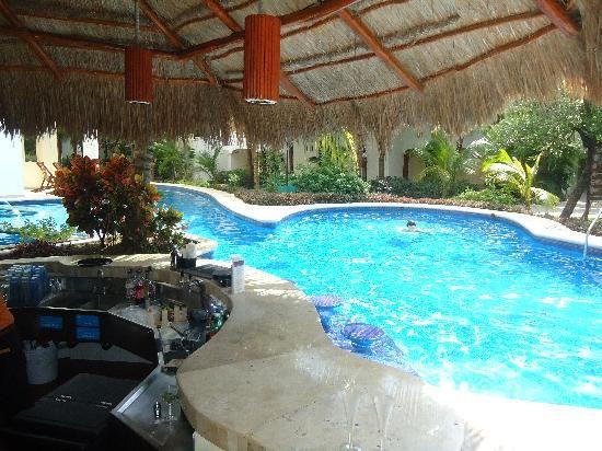 El Dorado Seaside Suites, by Karisma: One of the Swin Up pools and bar