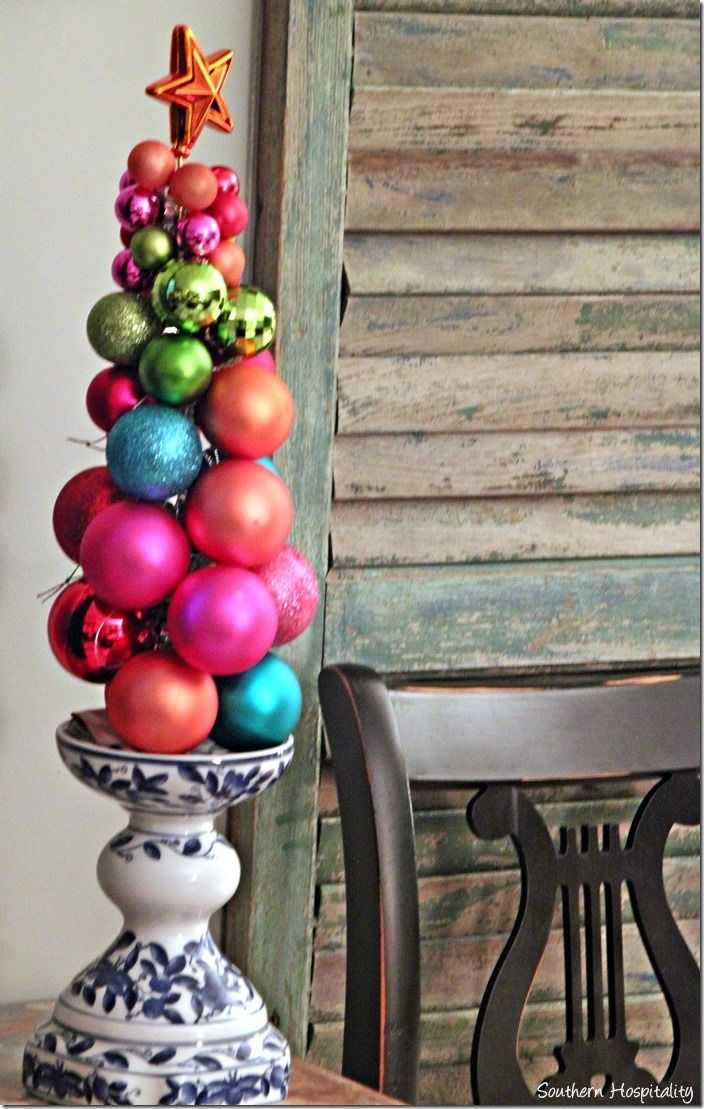 Christmas Home Tour 2013 - Southern Hospitality  Make an ornament tree with knitting needle. #easyholidayideas