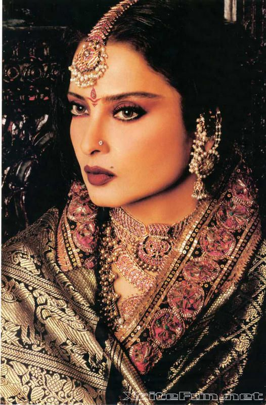 Rekha: The Diva of Bollywood - Biography n Photo Gallery : Global Celebrities