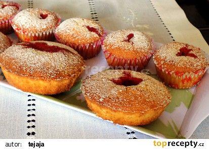 Jahodové muffiny nebo koláčky recept - TopRecepty.cz
