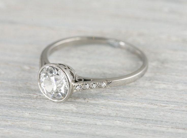 Ben noto Oltre 25 fantastiche idee su Anelli a fascia con diamanti su  FF02
