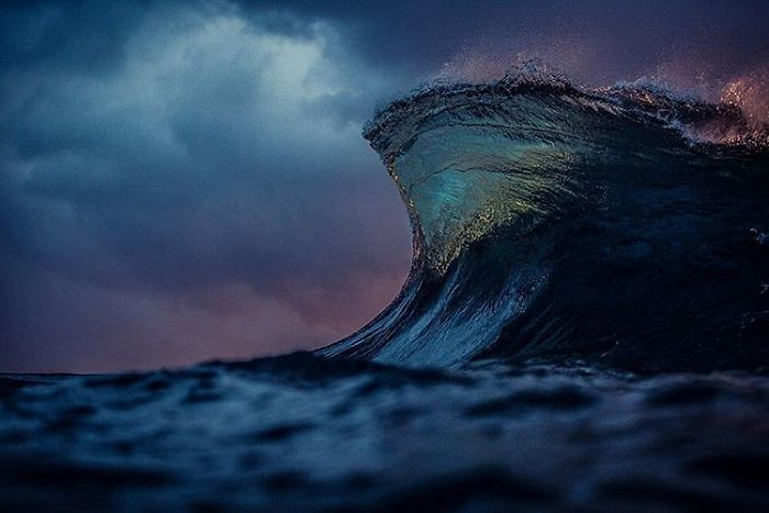 Incríveis fotografias de ondas, por Lloyd Meudell - O surfista e fotógrafo Lloyd Meudell se especializou em fotografia marítima e dedica seu tempo em registrar a beleza das formas das ondas na Austrália.