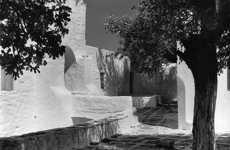 Hermitage, Paros (1968)