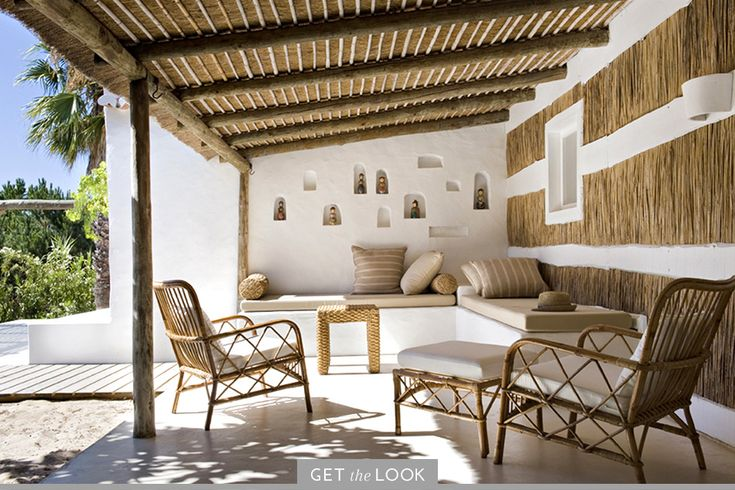 10 Summer Homes That Enchant and Inspire - 1stdibs Introspective