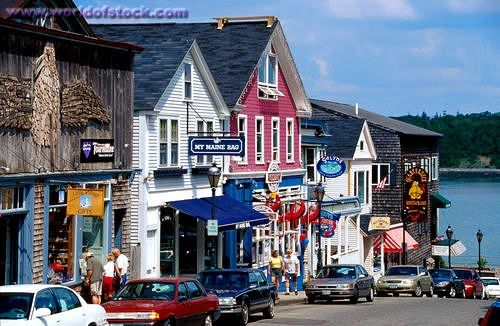 Downtown ogunquit maine downtown the schooner for Best time to visit maine for lobster