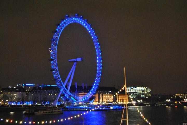 The Eye by night (London)