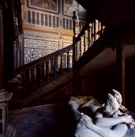 loveisspeed.......: Knole is an English country house in the town of Sevenoaks in west Kent...
