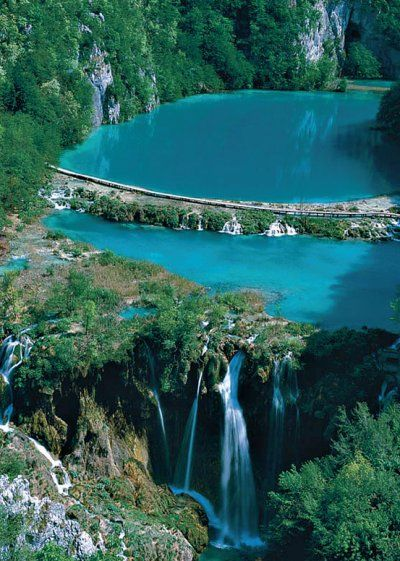 Plitvica lakes - Croatia. 16 beatiful blue lakes connected by 15 waterfalls of different sizes