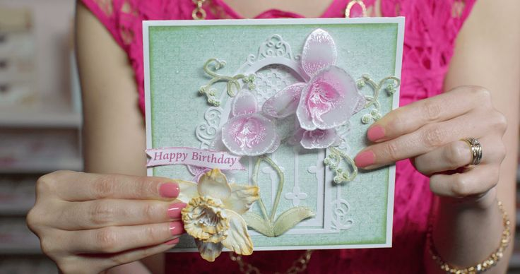 EZ Techniques to Create 3D Orchids and Daffodils for papercrafts - Heart...