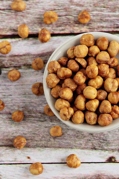 A simple technique to remove the skins from hazelnuts.