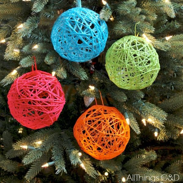 How+to+make+yarn+ball+ornaments