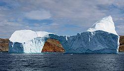 Um icebergue no Oceano Atlântico Norte, em 2007.