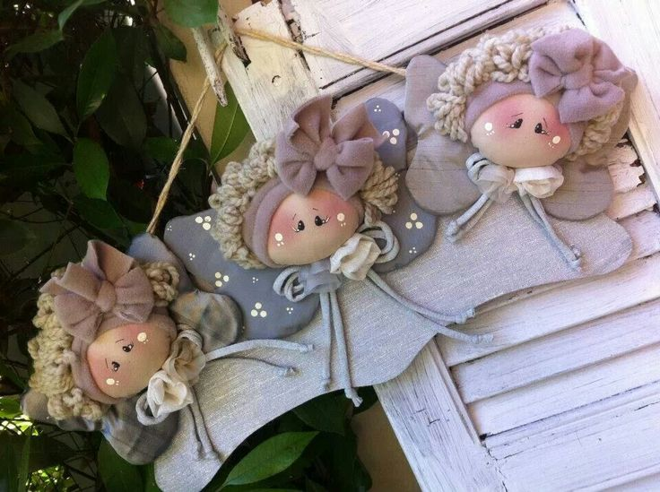 oh my goodness! i LOVE this angel-dollies plaque! so sweet and whimsical!...