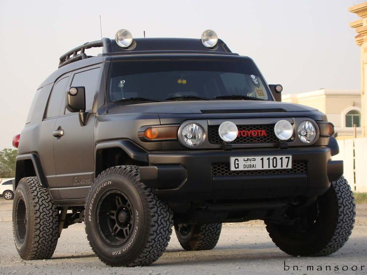 best 25 toyota fj cruiser ideas on pinterest fj cruiser Most Jacked Up Truck Ever Pink Jacked Up Trucks