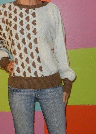 À vendre sur #vintedfrance ! http://www.vinted.fr/mode-femmes/pull-overs/26224069-pull-manche-chauve-souris-motif-coeur-t38-40-courtauds-courtelle-automne-hiver-vintage-retro