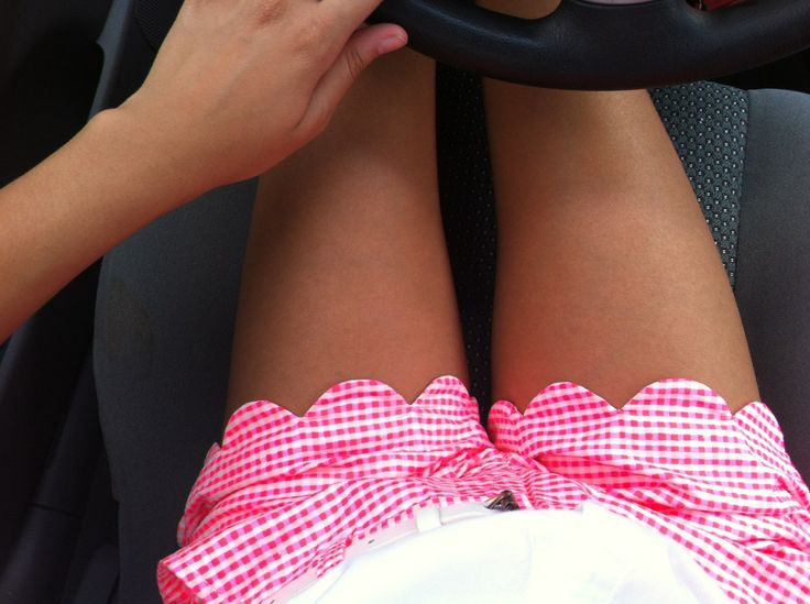 gingham scalloped shorts