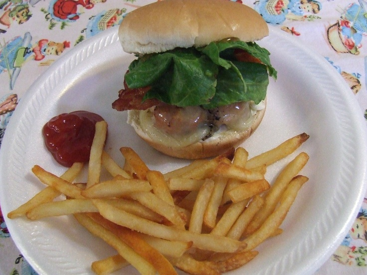 Yummy Grilled Chicken Burgers! Quick and easy and healthy! A different ...