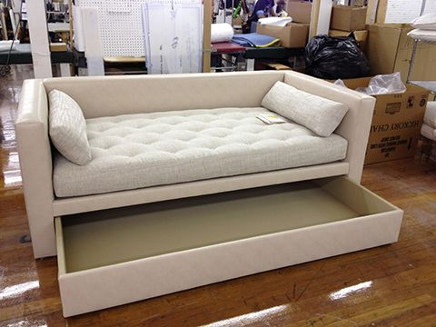 This Is A 7657 85 Porter Divan Made As A Special Construction Trundle Bed Made By Hickory Chair