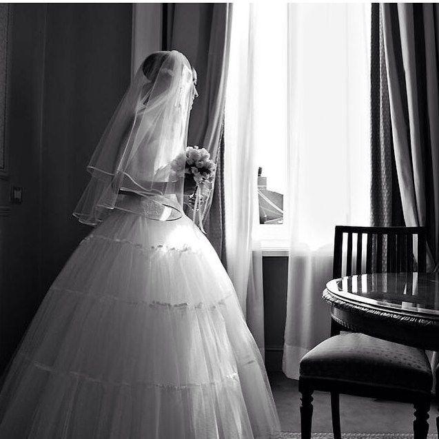 L'attesa è la parte che preferisco.  #leopizzo #wedding #matrimonio #sì #sposa #bride #beautiful #waiting #best #special #ring #sanvalentino #saintvalentine #happy #start #celebrating #couple #gioielli #madeinitaly #roma #milano #taormina #clemente#love#amore#lovestory