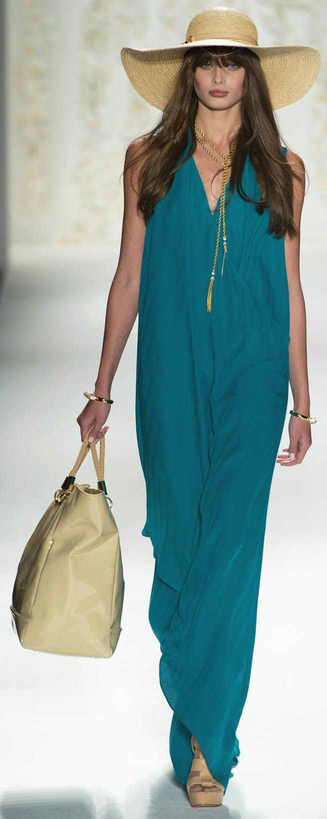Rachel Zoe - lovely long maxi dress and big straw hat with long gold necklace and handbag. love the whole look!