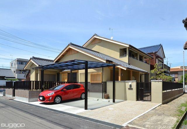 和風住宅の外観。 3つの屋根が重なる落ち着いた佇まいです。 #和風住宅 #住宅 #家づくり #和風住宅 外観 #外観 #新築住宅 #家 #瓦屋根 #和風住宅の外観 #設計事務所 #菅野企画設計