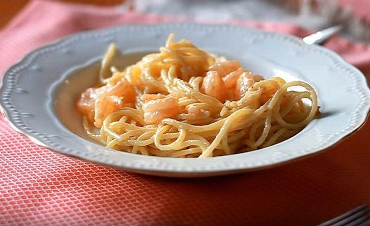 Спагетти с креветками и сливками