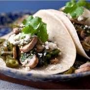 Tacos con champiñones y chile poblano PLATOS VEGANOS @@@...http://es.pinterest.com/iiguerra/vegano/