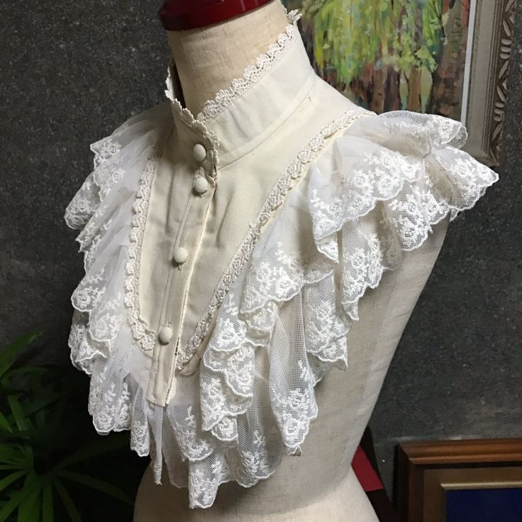 Moe steampunk victorian lolita. Lace ruffle dickie