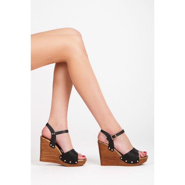 Ľahké sandále na kline 4051-1B